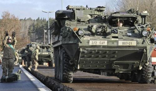 NATO  terus memperkuat keberadaan militer  di Eropa Timur. - ảnh 1