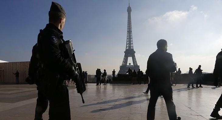Perancis terus mempertahankan  situasi darurat - ảnh 1