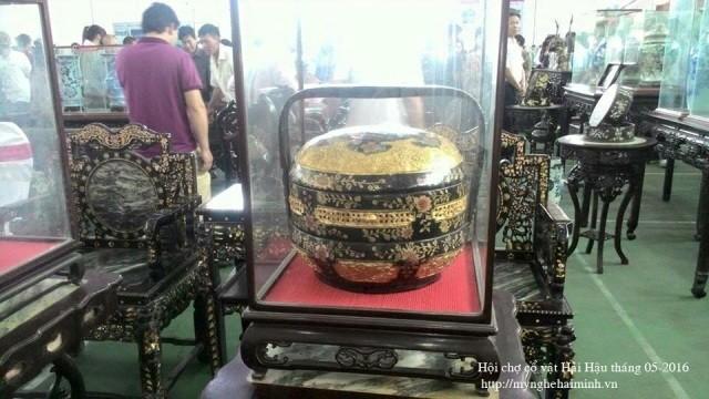 Datang ke kecamatan Hai Minh - tempat untuk membuat produk-produk  dari kayu dibuat seperti barang-barang antik tiruan - ảnh 2