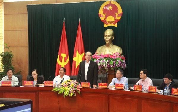 Ketua Pengurus Besar Front Tanah Air Vietnam, Nguyen Thien Nhan mengadakan temu kerja dengan kota Hai Phong tentang pembangunan kota pintar - ảnh 1
