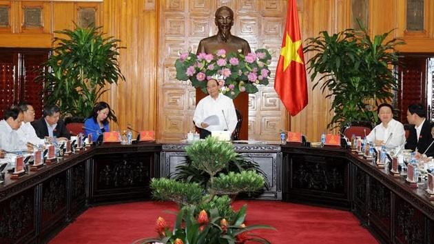 PM Vietnam, Nguyen Xuan Phuc mengadakan temu kerja dengan pimpinan provinsi An Giang  - ảnh 1