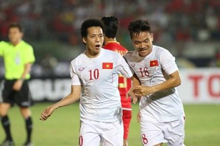 Tim seleksi Sepak Bola Vietnam menang dalam pertandingan pertama di AFF Suzuki Cup -2016 - ảnh 1