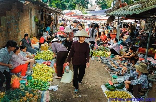 Warna-warni dari pasar-pasar Vietnam - ảnh 1