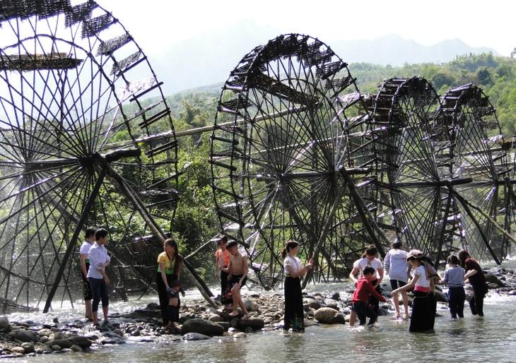 Jentera air di kecamatan Ban Bo-Bangunan yang kreatif dan  unik dari warga etnis-etnis provinsi Lai Chau - ảnh 1