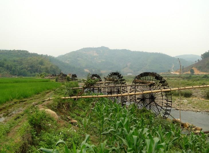 Jentera air di kecamatan Ban Bo-Bangunan yang kreatif dan  unik dari warga etnis-etnis provinsi Lai Chau - ảnh 6