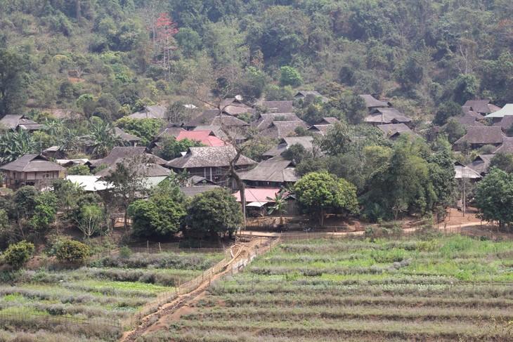 Mendapatkan pengalaman melalui paket-paket wisata komunitas di provinsi Lai Chau - ảnh 1