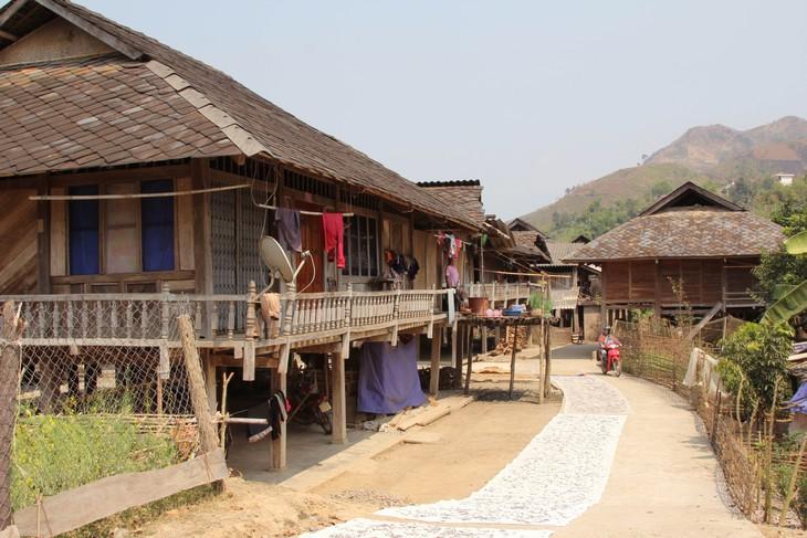Mendapatkan pengalaman melalui paket-paket wisata komunitas di provinsi Lai Chau - ảnh 2