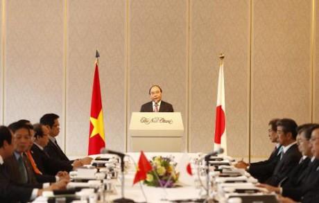 PM Vietnam, Nguyen Xuan Phuc  melakukan temu kerja dengan Keidanren - ảnh 1