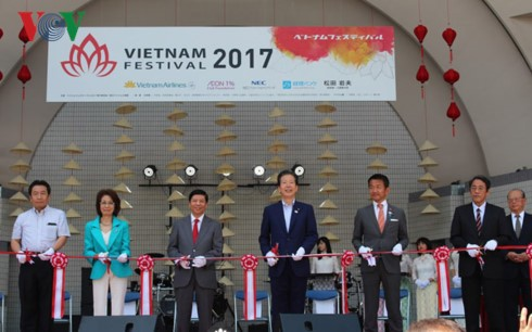 Pembukaan Festival Vietnam di Jepang kali ke-10 - ảnh 1