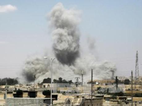 Pasukan koalisi pimpinan AS  menembak jatuh pesawat terbang tentara Suriah - ảnh 1