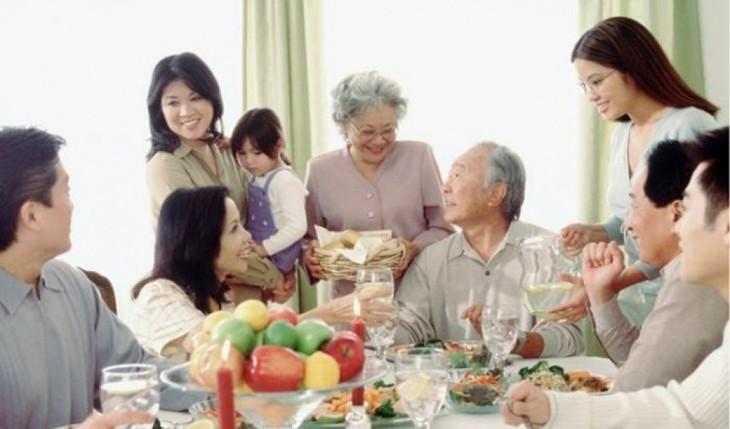 Memuliakan keluarga-keluarga  yang setara  Vietnam - ảnh 1