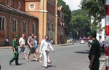 Kota Ho Chi Minh menegakkan citra kota Ho Chi Minh yang akrab, menarik dan aman bagi para wisman - ảnh 1