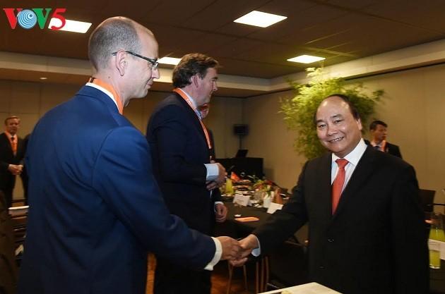 PM Vietnam, Nguyen Xuan Phuc menginginkan badan-badan usaha Belanda melakukan investasi dalam menanggulangi perubahan iklim - ảnh 1
