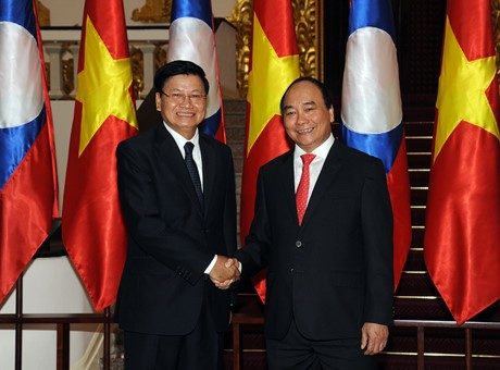 Menjaga dan memupuk hubungan Vietnam-Laos adalah tanggung jawab dari generasi muda dari dua negeri - ảnh 1