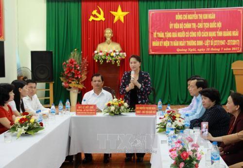 Partai dan Negara Vietnam selalu memperhatikan  kebijakan terhadap orang-orang yang berjasa - ảnh 2
