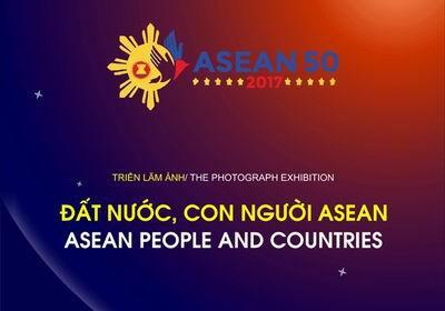 """Pameran foto: """"Negeri dan manusia ASEAN"""" di kota Hanoi - ảnh 1"""