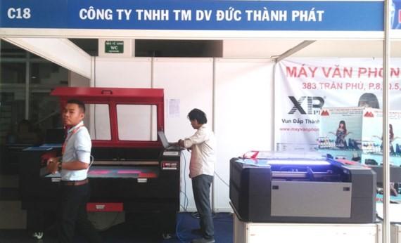 VietAd 2017: Peralatan dan teknologi  periklanan di Vietnam memutakhirkan kecenderungan dunia. - ảnh 1