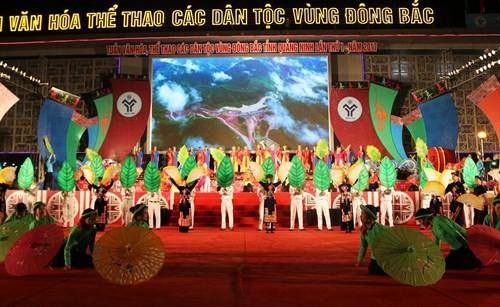 Pembukaan Pekan Kebudayaan dan Olahraga Etnis-Etnis Daerah Timur Laut  provinsi Quang Ninh kali pertama tahun 2017 - ảnh 1