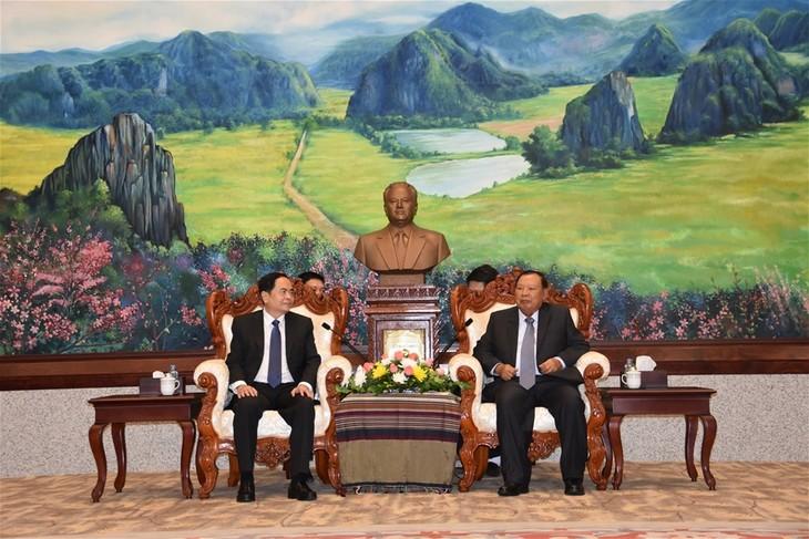 Memperkuat hubungan persahabatan tradisional, solidaritas istimewa  dan kerjasama komprehensif antara dua negara Vietnam-Laos - ảnh 1