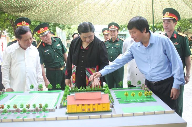 Tidak henti-hentinya memupuk solidaritas istimewa  dan hubungan persahabatan  tradisional Vietnam dan Laos - ảnh 1