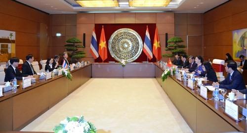 Ketua Dewan Legislatif Nasional Kerajaan Thailand  mengakhiri kunjungan resmi di Vietnam - ảnh 1