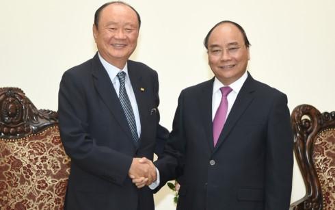 Grup Charmvit (Republik Korea) berkomitmen menjadi investor berjangka panjang di Vietnam - ảnh 1