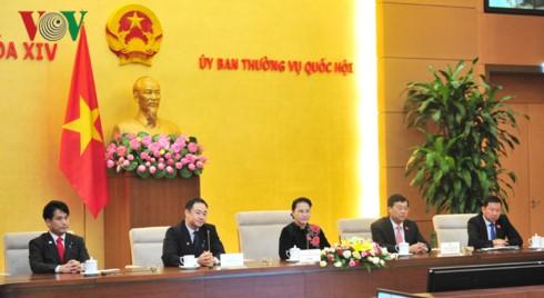 Ketua MN Nguyen Thi Kim Ngan menerima delegasi legislator muda Parlemen Jepang - ảnh 1