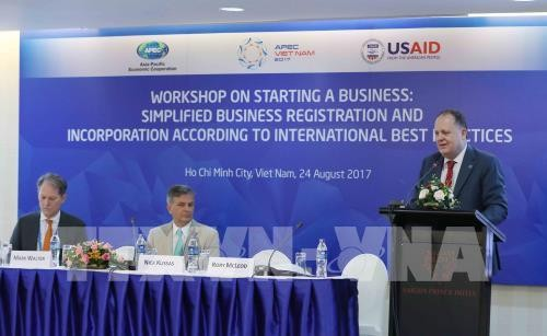 Wakil dari perekonomian-perekonomian  APEC berbagi pengalaman dalam  mendaftar nama membentuk badan usaha kecil dan menengah - ảnh 1
