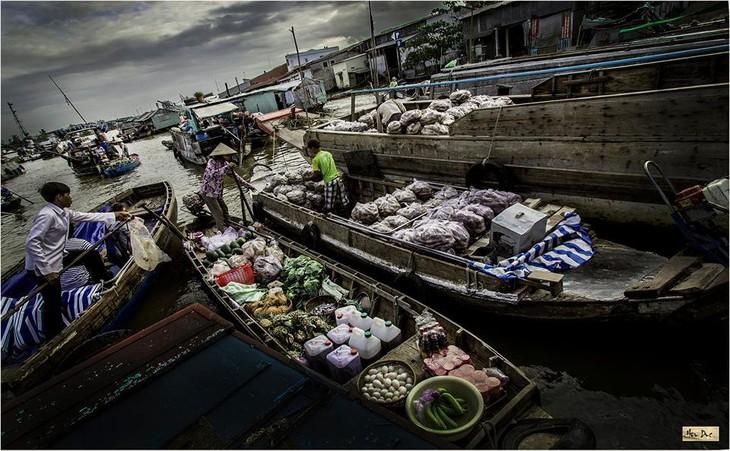 Pasar terapung Nga Nam kaya dengan budaya air daerah dataran rendah sungai Mekong - ảnh 3
