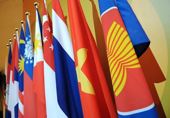 ASEAN mendorong  ekonomi, perdagangan, investasi dan  integrasi  perdagangan - ảnh 1