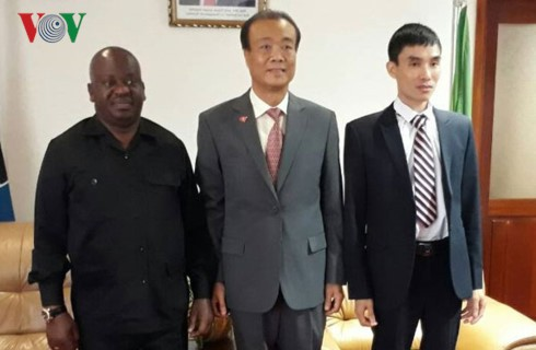 Mendorong lebih lanjut lagi hubungan persahabatan Vietnam-Tanzania - ảnh 1