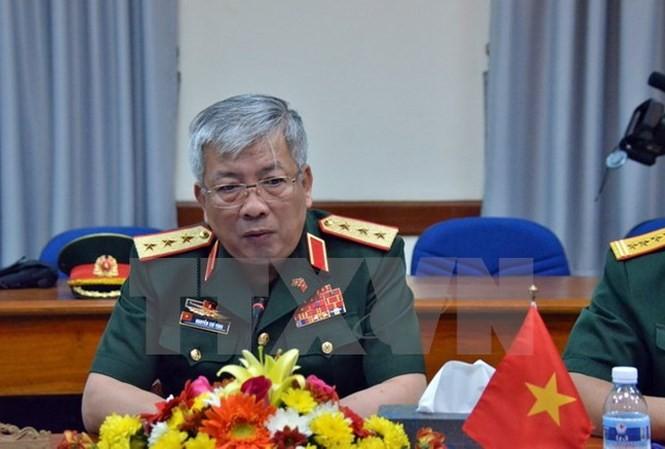 Vietnam dengan gigih membela kedaulatan-nya di Laut Timur di atas dasar  ketentuan hukum internasional  - ảnh 1