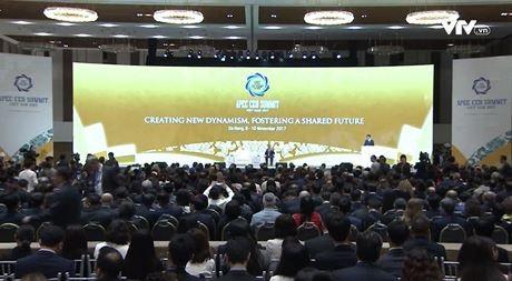 Banyak topik panas yang dibahas di sesi-sesi dialog CEO Summit - ảnh 1
