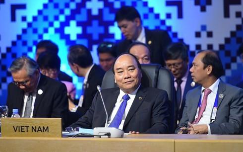 PM Vietnam, Nguyen Xuan Phuc menghadiri KTT tentang peringatan  ultah ke-40 penggalangan hubungan ASEAN-Kanada dan ASEAN-Uni Eropa - ảnh 1
