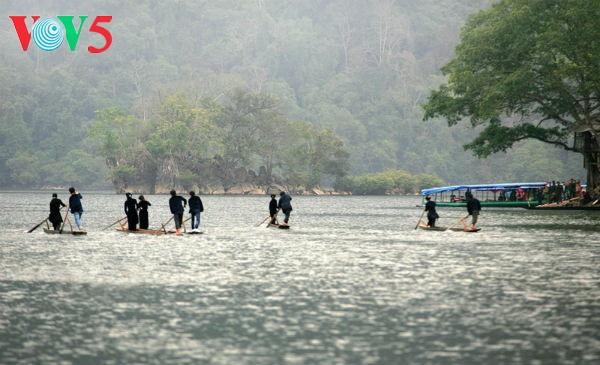 """Pembukaan Program pariwisata:  """"Melewati  daerah –daerah pusaka Viet Bac"""" - ảnh 1"""