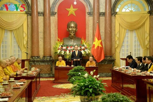 Presiden Vietnam, Tran Dai Quang menerima  delegasi  Pengurus  Besar Sangha Buddha Vietnam - ảnh 1