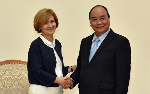 PM Vietnam, Nguyen Xuan Phuc  menerima  Sekretaris Negara  Kemlu  Portugal, Presiden SK Group dan Ketua Kamar Dagang dan Industri Osaka - ảnh 1