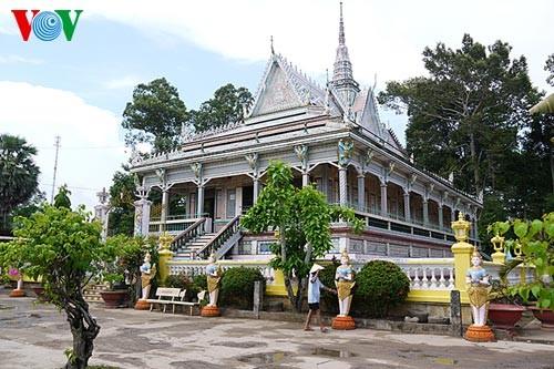 クメール族の寺院 - ảnh 2
