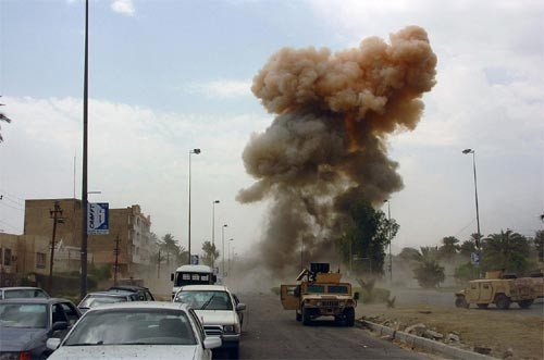 イラク、爆弾テロ相次ぎ死傷者多数 - ảnh 1