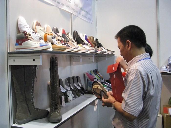 革靴の消費高まり 輸出額も増加 - ảnh 1
