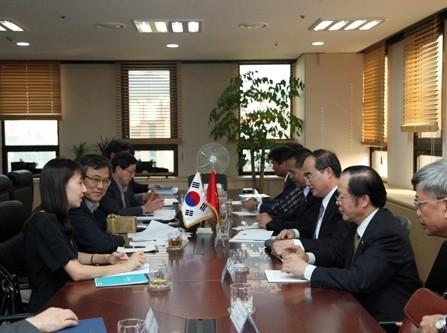 ニャン副首相、韓国を訪問 - ảnh 1