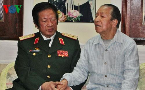 ラオス国会議長、ベトナム志願兵を高く評価 - ảnh 1