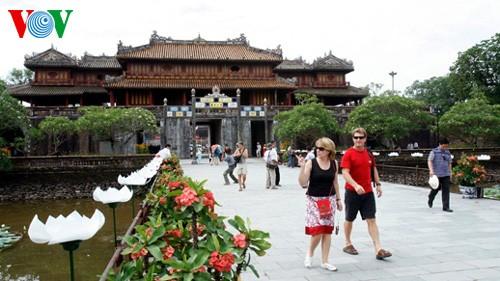 「責任のある観光ツアーと文化遺産」に関するシンポ - ảnh 1