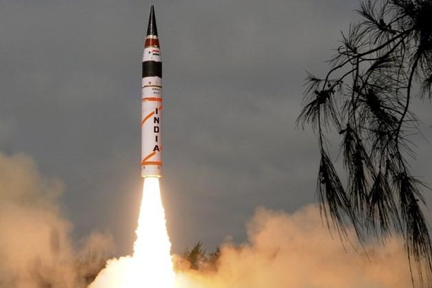 インドのミサイル「アグニ3」、発射実験に成功 - ảnh 1