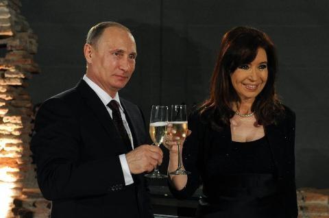 アルゼンチン大統領のロシア訪問を巡る問題 - ảnh 1