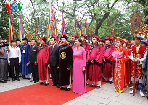 ベトナム建国の王「フン王」の命日・ベトナム人の心を培養 - ảnh 1