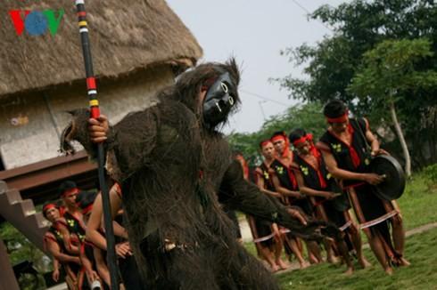 バナ族の平安を祈る儀式 - ảnh 2