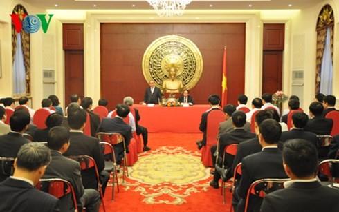 フック副首相、在中国ベトナム大使館を訪問 - ảnh 1