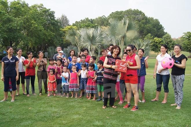 在インドベトナム大使館、館員子弟の中秋節祭りを - ảnh 1