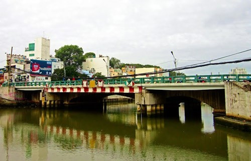 HCM市の古い橋 - ảnh 5